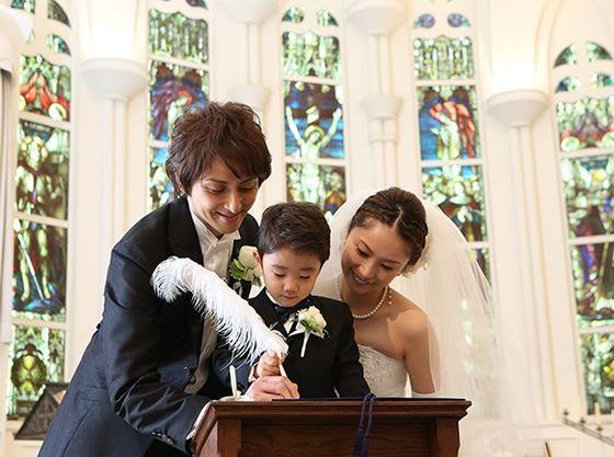 証明書に名前を書いて家族の絆をより深いものに・・・