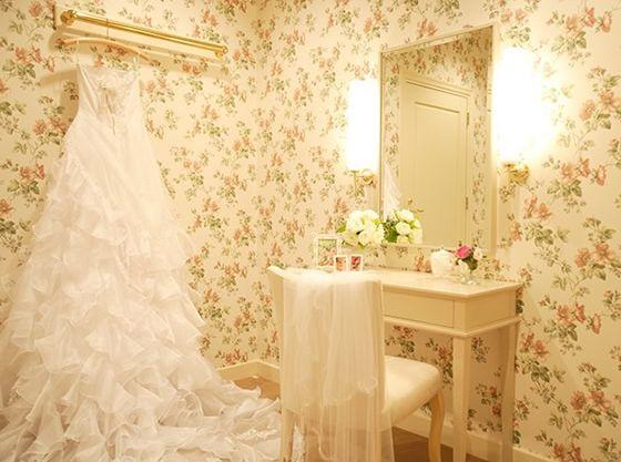 花嫁控室も個室になっているから、お子様連れの二人も安心