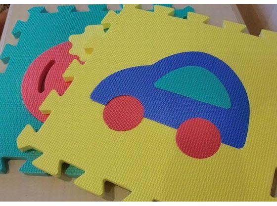 おもちゃを広げて安心して遊べるスペースが作れる!(プレイマット)