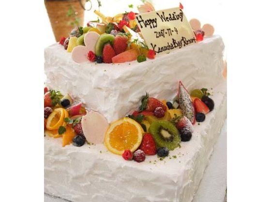 手作りのウエディングケーキ