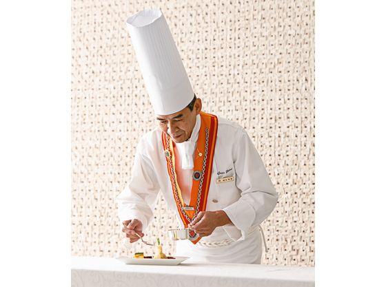エスコフィエ協会の伝統とシェフの想いが創り出す料理の数々をご賞味ください。