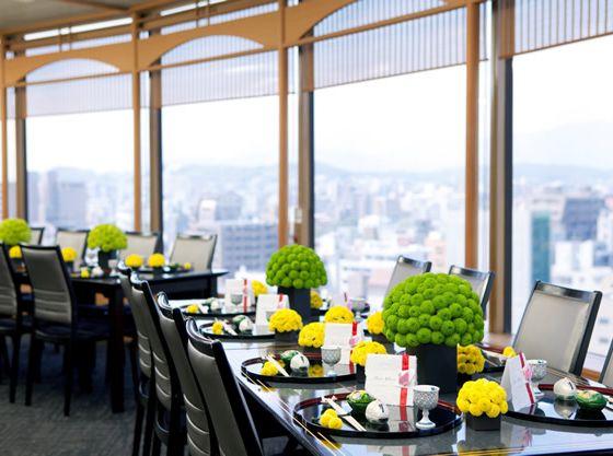 14階からの眺めを楽しみながら美食を味わえる