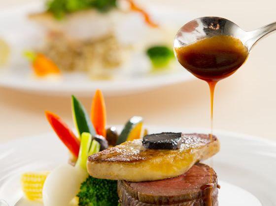 ゲストへのおもてなしの中で、料理は最も大切なものだと考える