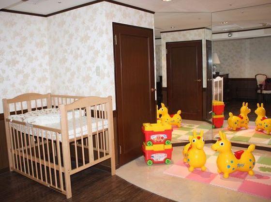 授乳室ではおむつもゆっくりかえられます。おもちゃもあって楽しいね★