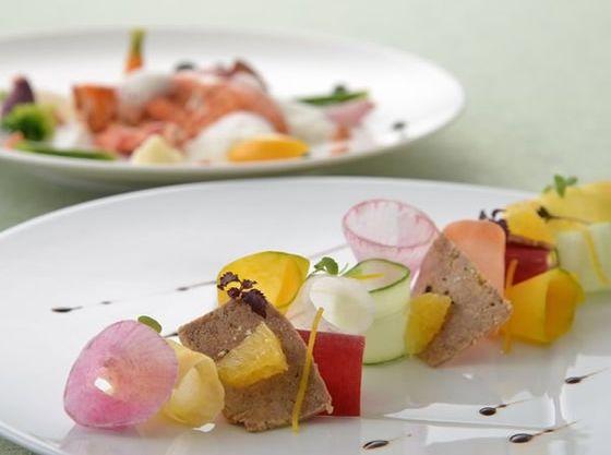 旬と美を彩る華やかなフランス料理、感動の一皿に