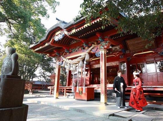 太田市指定重要文化財の社殿での神社挙式。