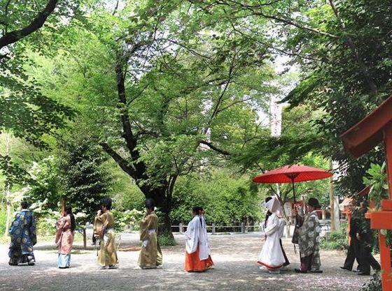 一万坪の境内で伝統的な神社婚を迎えられます。