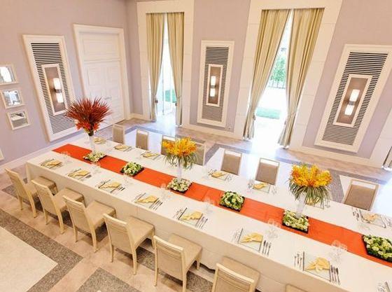 10〜25名の家族の会食や親族だけでの30名前後のパーティーは「シルール」がおすすめです(最大48名着席)