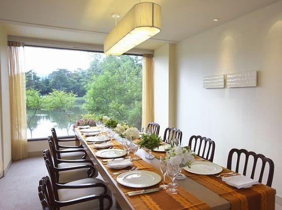 レストランや個室でも会食ができます。気軽にお食事を楽しみたい方はご相談ください。