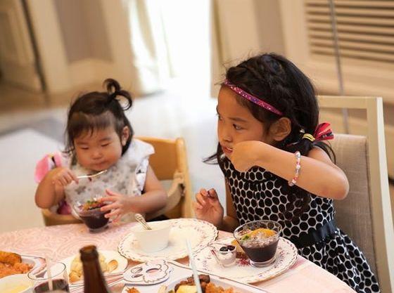 小学生以下のお子さまは料理・ドリンクが無料になる「ウエディングキッズフリープログラム」を導入。