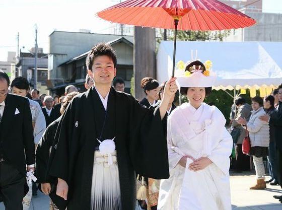 福島稲荷神社での挙式もできる!花嫁行列が人気。