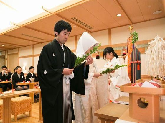 館内神殿での挙式も素敵。
