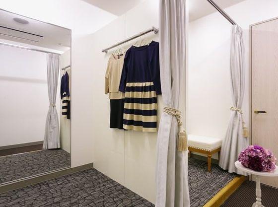 更衣室も広いので、お子様連れでのお着替えも安心。