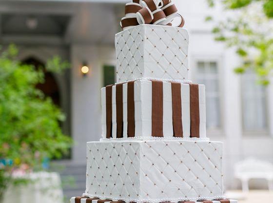 オリジナルケーキも人気。お子様と一緒にデザインしても素敵。