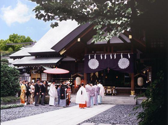 「参進の儀」から始まる結婚式