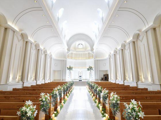 【独立型】の白亜の大聖堂で夢の結婚式が叶います!
