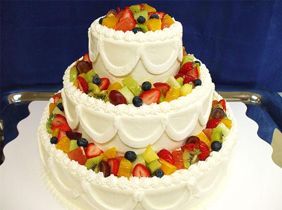 植物性の生クリームを使用したゲストに優しいケーキ。