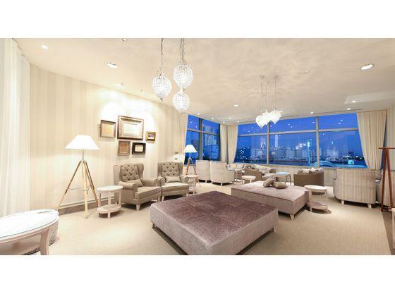 ソファーのある個室も完備。