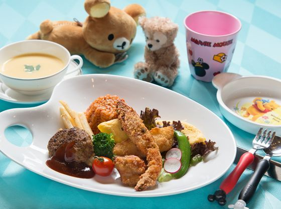 お子様料理はワンプレートからコース料理まで対応。
