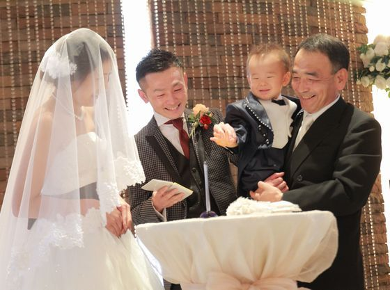 お子様の一生の記念に…お子様の手形が証人の証