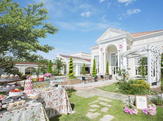 貸切ガーデンは、南フランスのリゾートホテルのよう