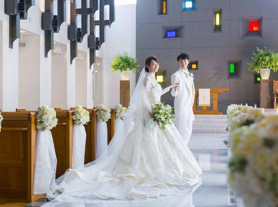 e94a2b5684259 デュオとグランシャリオという2つの施設が併設しており、挙式や披露宴の会場がそれぞれ自由に選択できる自由度の高い結婚式場です。  館内ではお子さま連れに嬉しい ...
