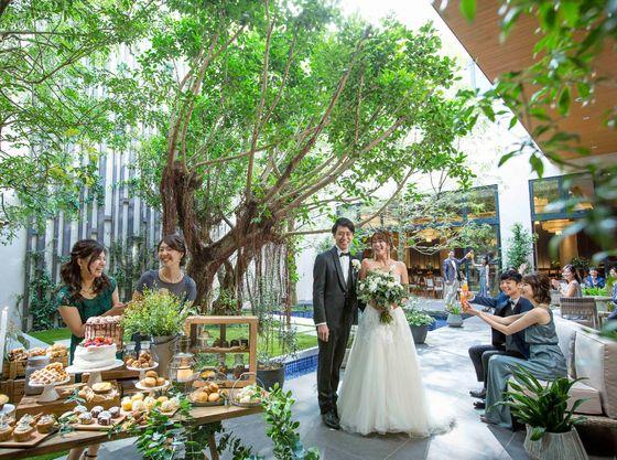 ガーデンでのデザートビュッフェやフォトスポットとして ゲストと特別な演出を楽しむことが出来ます