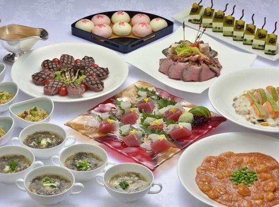 洋食+中華の大皿盛り料理。ロワジールホテル那覇で一番人気のメニュー