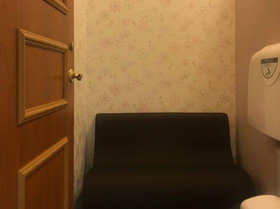 鍵付き個室で安心できる授乳室