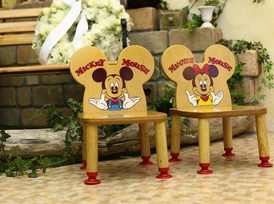 お子様用のお椅子も多種ご用意しております