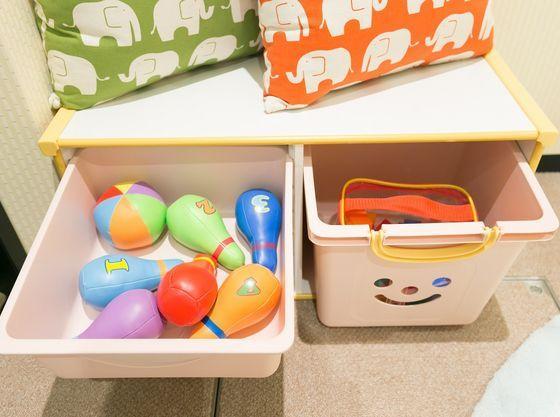 キャプション:館内にはお子様用のおもちゃをご用意