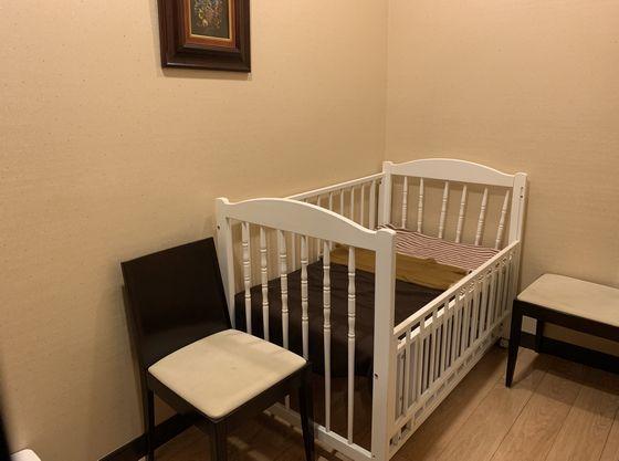 授乳室(鍵付き個室)は館内2か所 ※ベビーベッド有