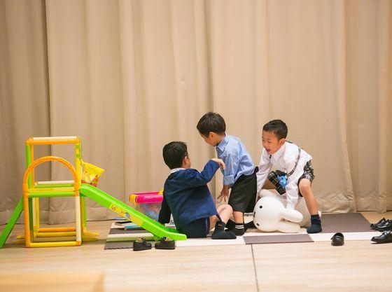 床材もお子様に安心な木材を使用。マットのご準備もございます。