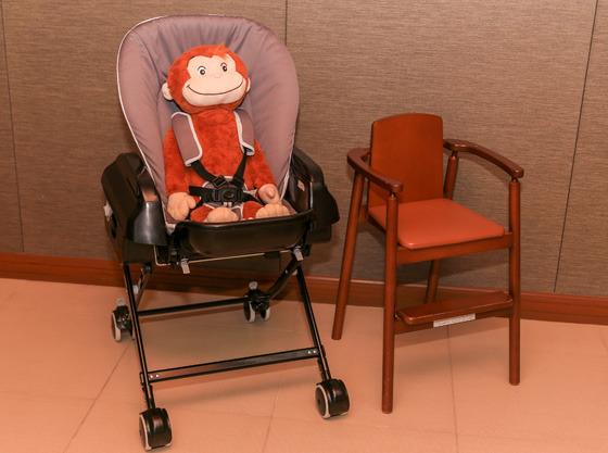 お子様の年齢に合わせた椅子を各種ご用意